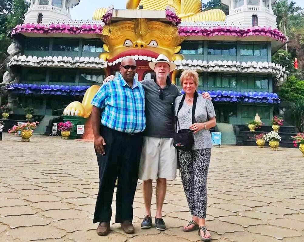 G 38 - Sri Lanka Tour Driver with Car