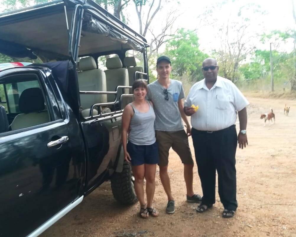 G 44 - Sri Lanka Tour Driver with Car